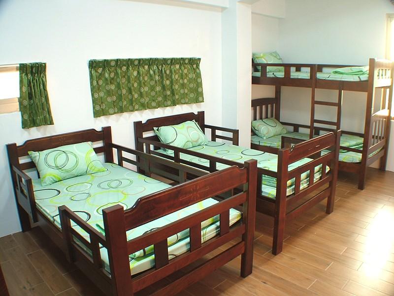 六人房單床