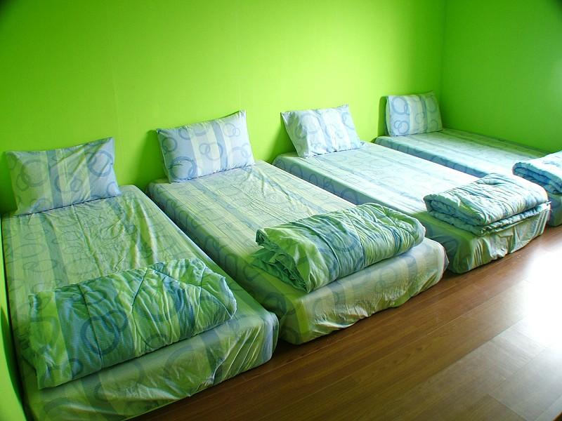 四人房單床