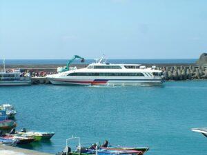 遊客下船中
